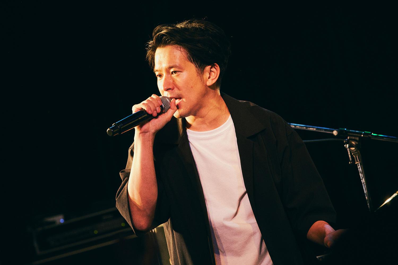 Keishi Tanaka、8人バンドセットによるレコ発ライブ、ゲストにKan Sanoも迎えた贅沢な一夜。