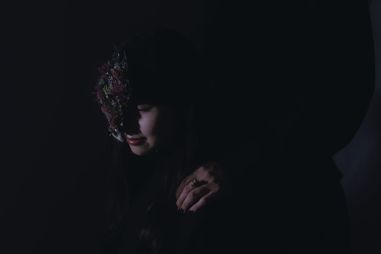 日向文、新曲「私が化物」デジタルリリース&最後まで「読ませる」リリックビデオ公開!