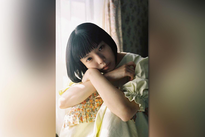 カネコアヤノ、弾き語りアルバム「よすが ひとりでに」をCD・カセット・配信でリリース!