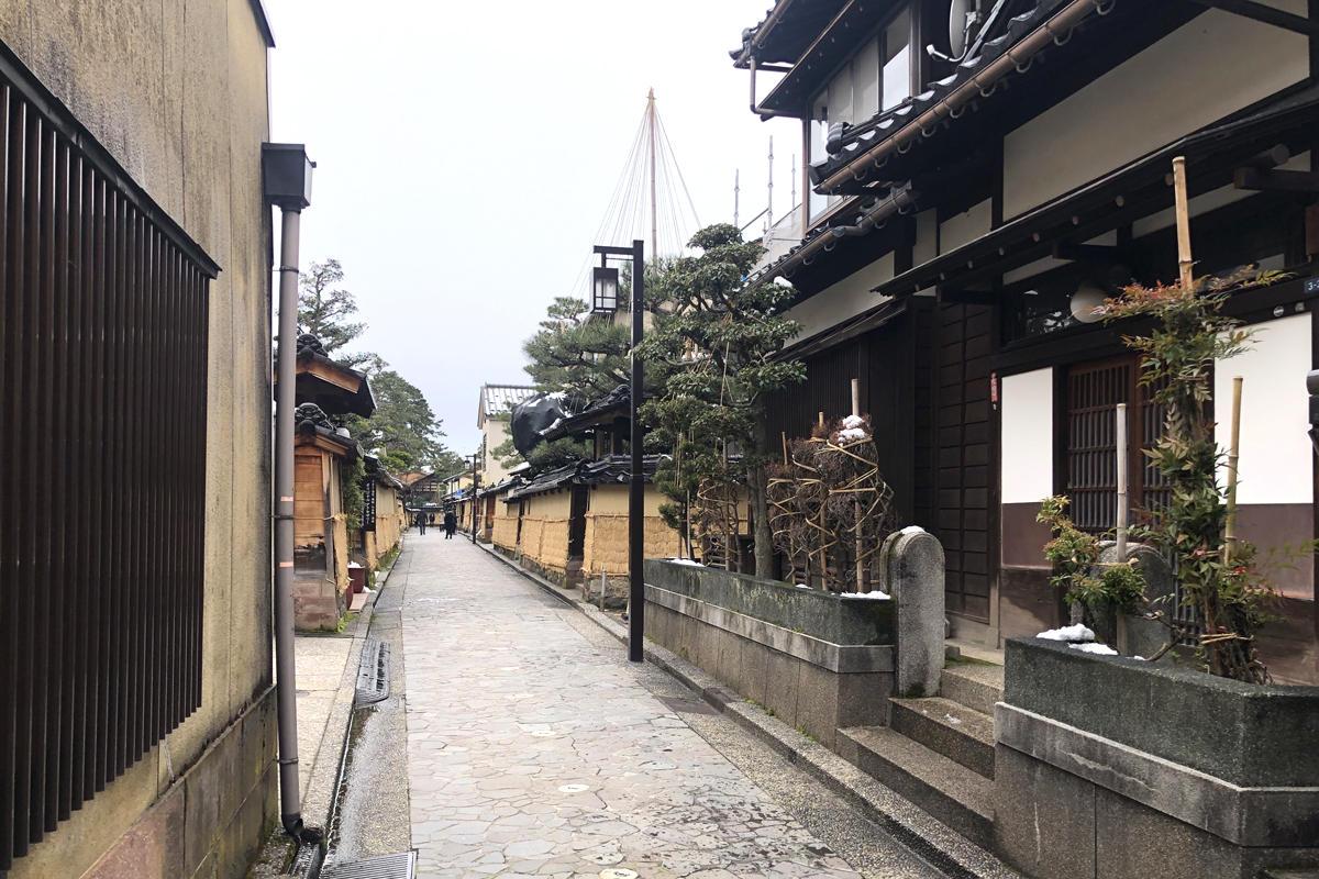 歴史を感じる町並み。ライブ前後で行きたい金沢おすすめスポット8選。